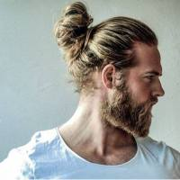 men's hairstyle man bun